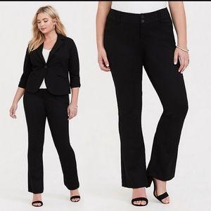 Torrid premium ponte stretch trouser pant 18 short